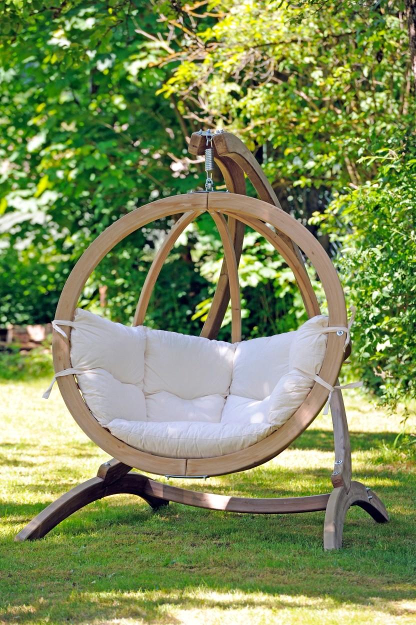 Globo Hangstoel Standaard.Globo Chair Hangstoel Naturel Kussens En Houten Standaard