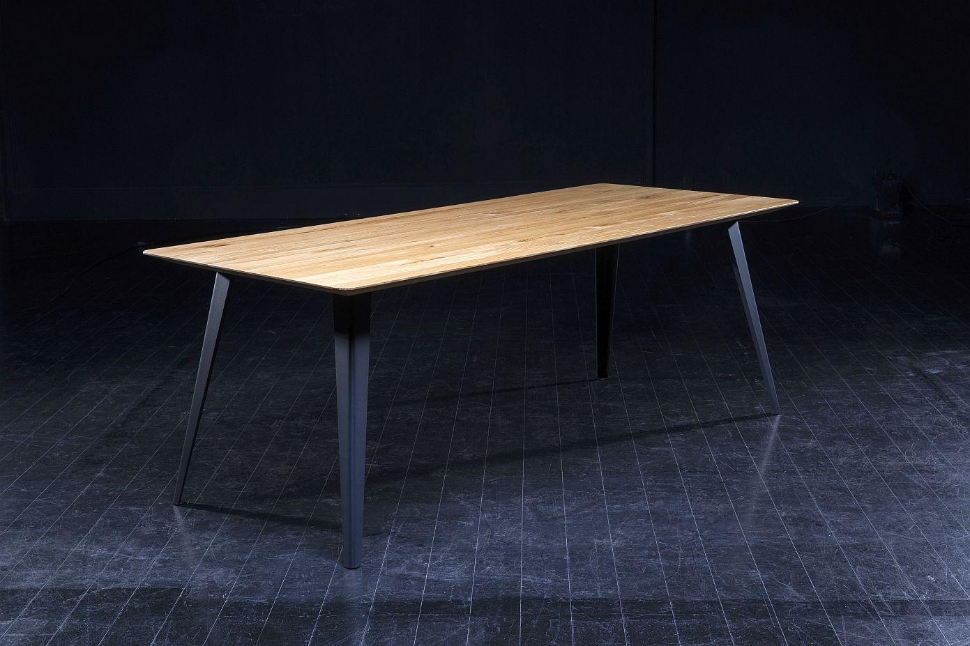 Seuren - Folded Tafel 210x90x76 - Genoest Eiken Honing - Zwarte Metalen Poten
