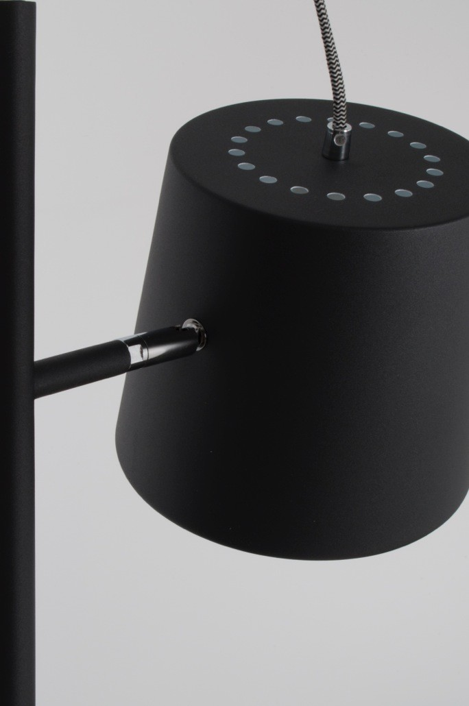 Zuiver Vloerlamp Buckle Head - Mat Zwart